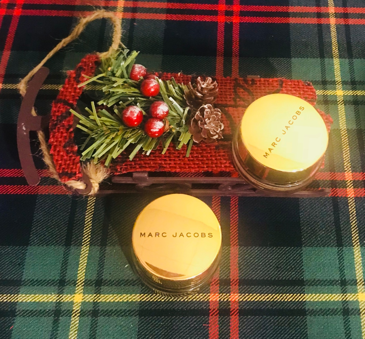 Holiday Review: Marc Jacobs Beauty See-Quins Glam GlitterEyeshadow