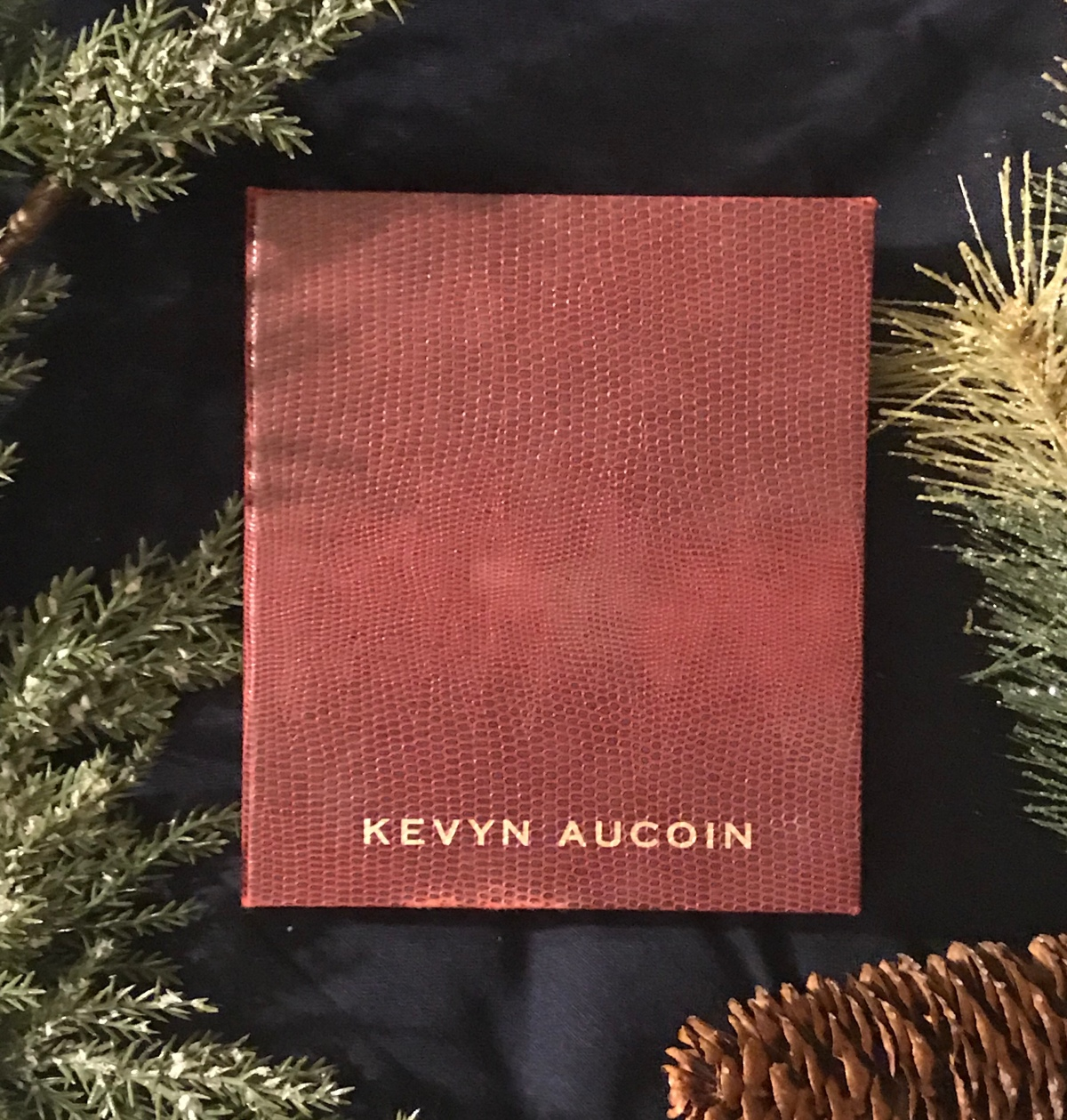 Best of Beauty 2018: Kevyn Aucoin The Contour Book Volume 2